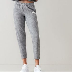 NWOT Roots lightweight cropped sweats